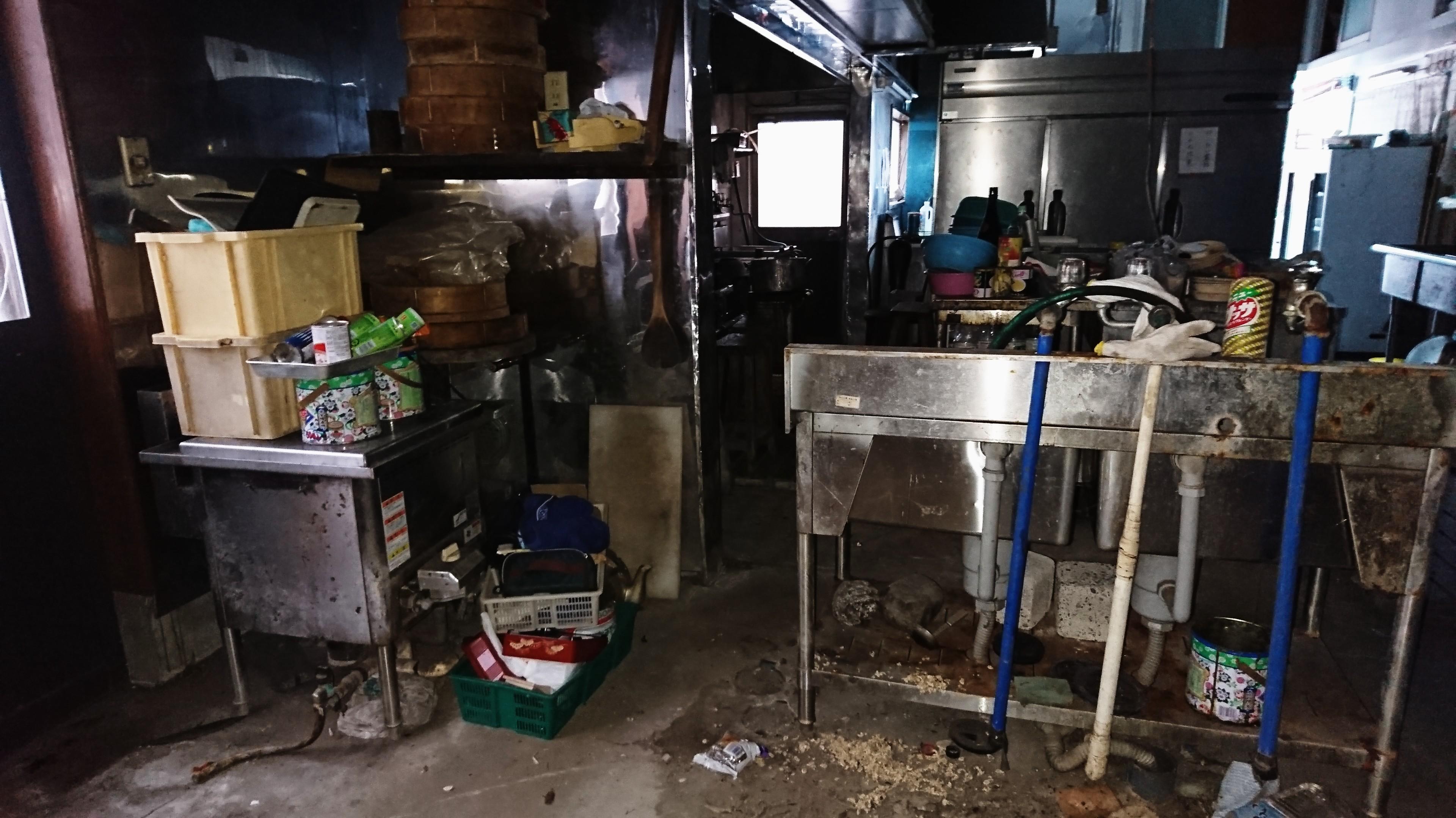 横浜市栄区 店舗型住居 不用品選別 大型業務用冷蔵庫撤去