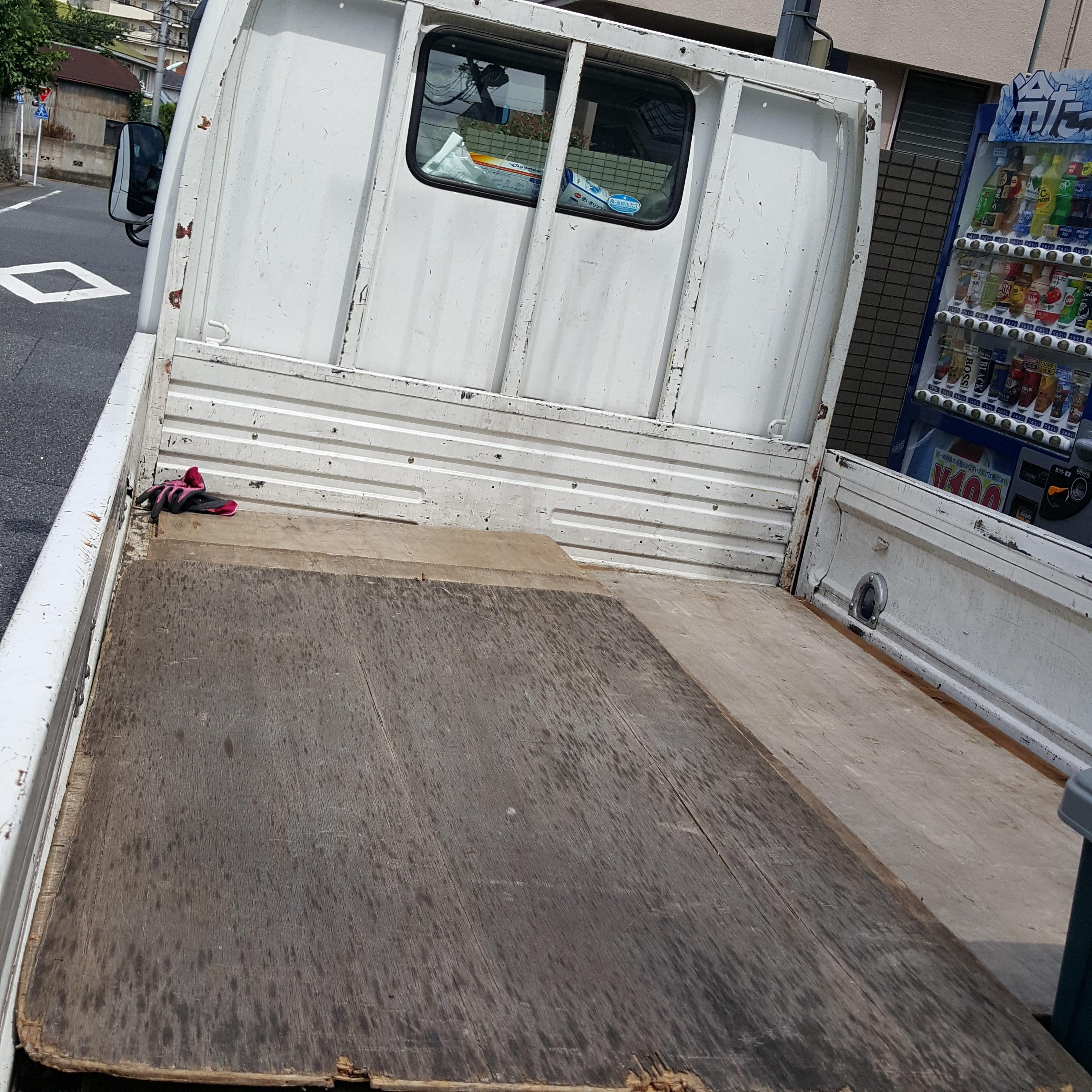 川崎市幸区 2DK全ての家具(食器棚、本棚、ダイニングテーブルなど)の不用品回収